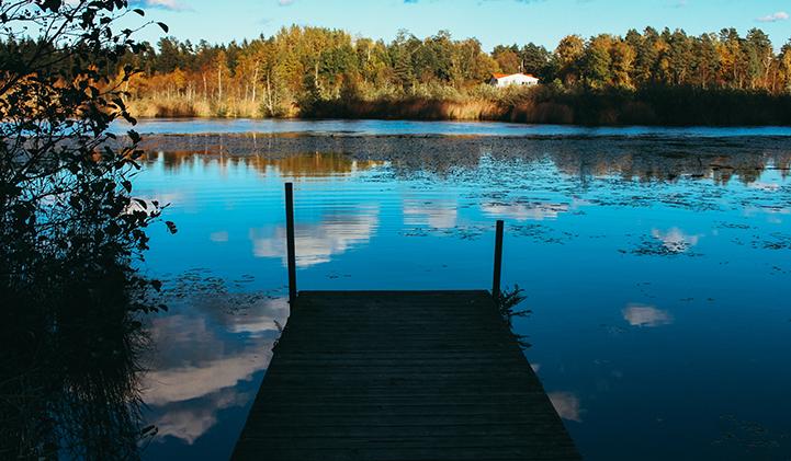 La Suède, c'est des lacs et des forêts. Un paysage calme et reposant. Les plus courageux s'y baigneront ! Växjö